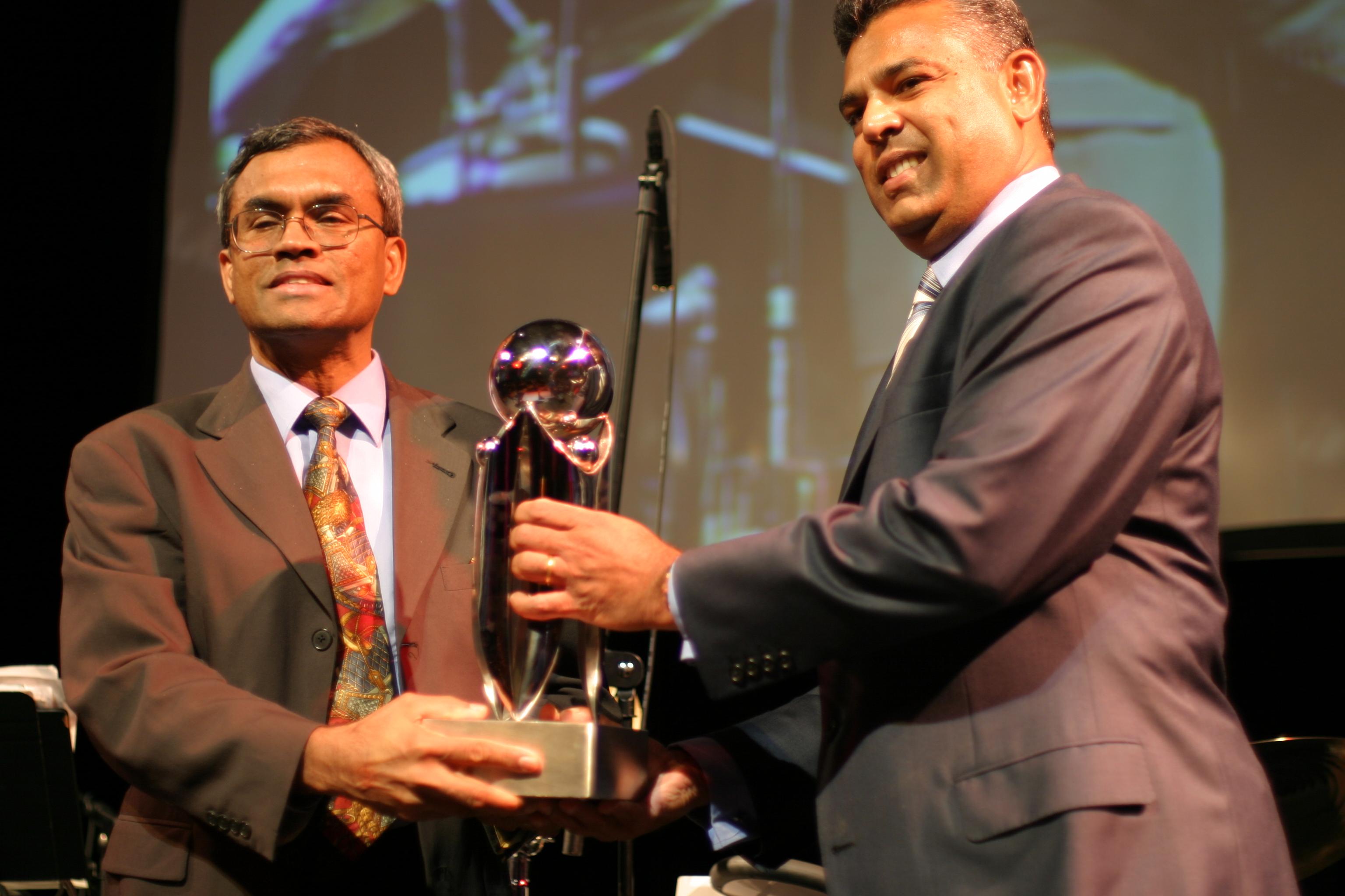 Dr. Sunil Wimalawansa
