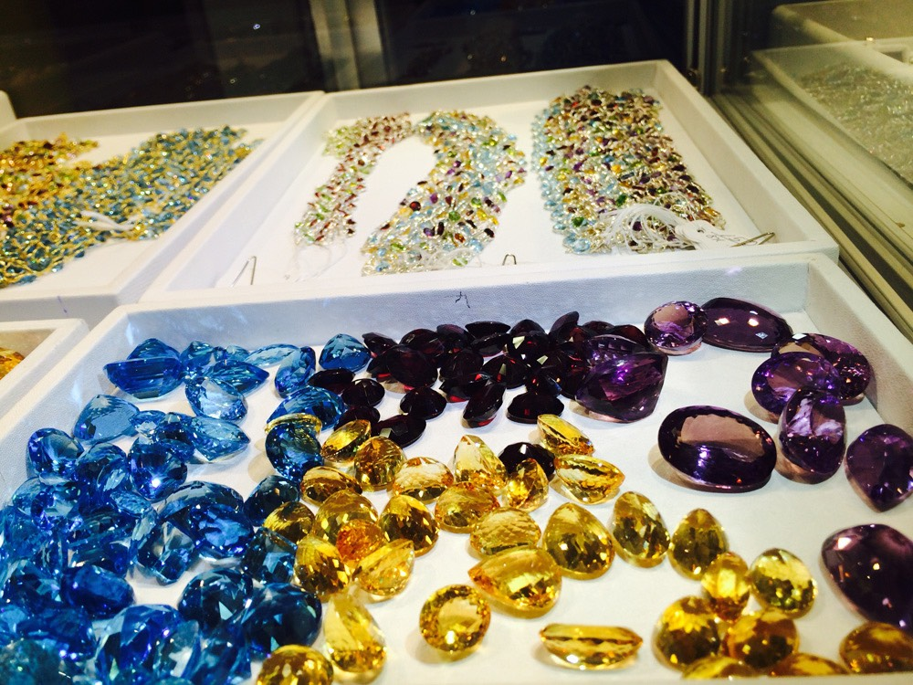 Resultado de imagen para Sri Lanka gemstones
