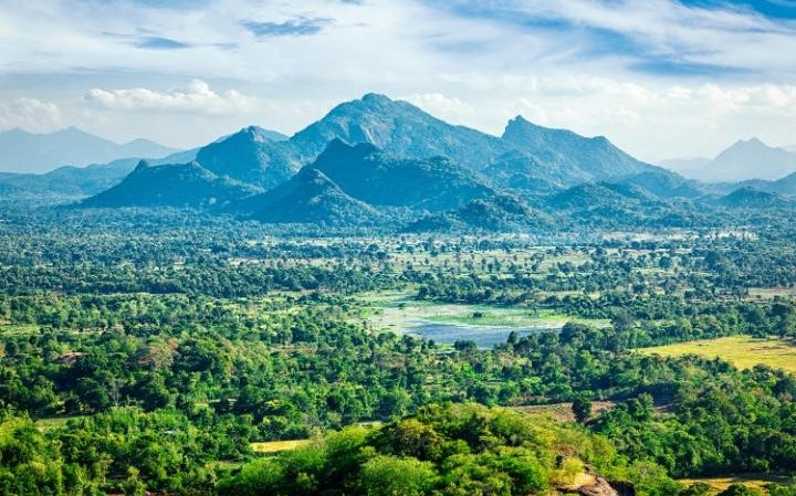 After decades of war, Sri Lanka is slowly reemerging as a tourist destination CREDIT: FOTOLIA